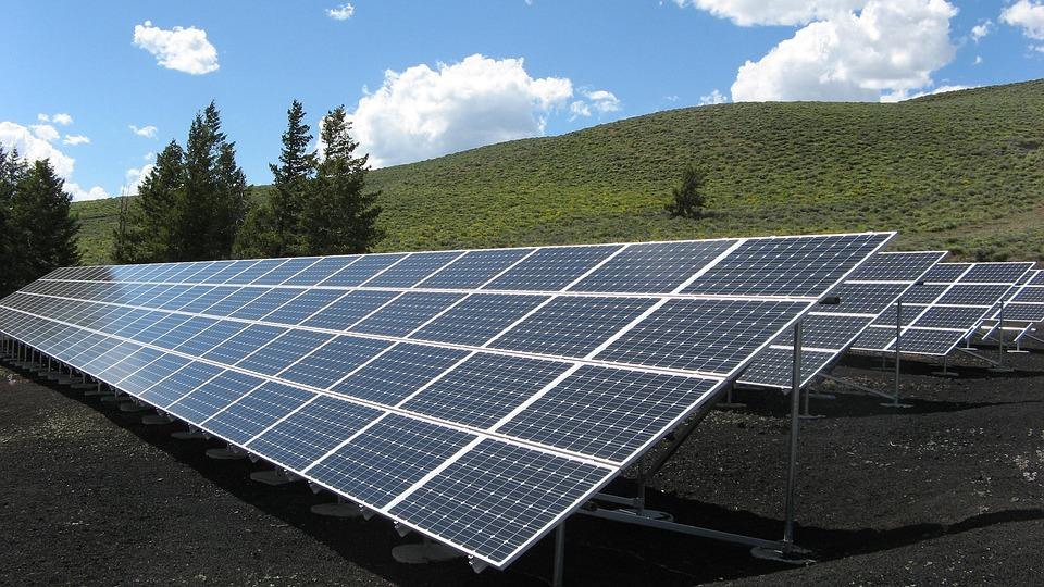 太陽光発電の利回りとは?儲かるのか?|RSアセットマネジメントなど
